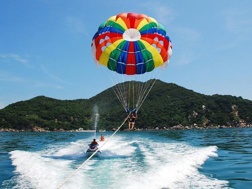 Thử sức cùng dù lượn –  môn thể thao cảm giác mạnh được yêu thích ở biển Nha Trang